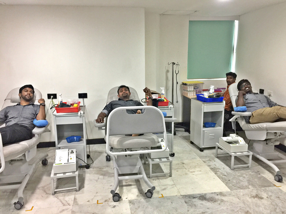 EinNel Engineers Donating Blood